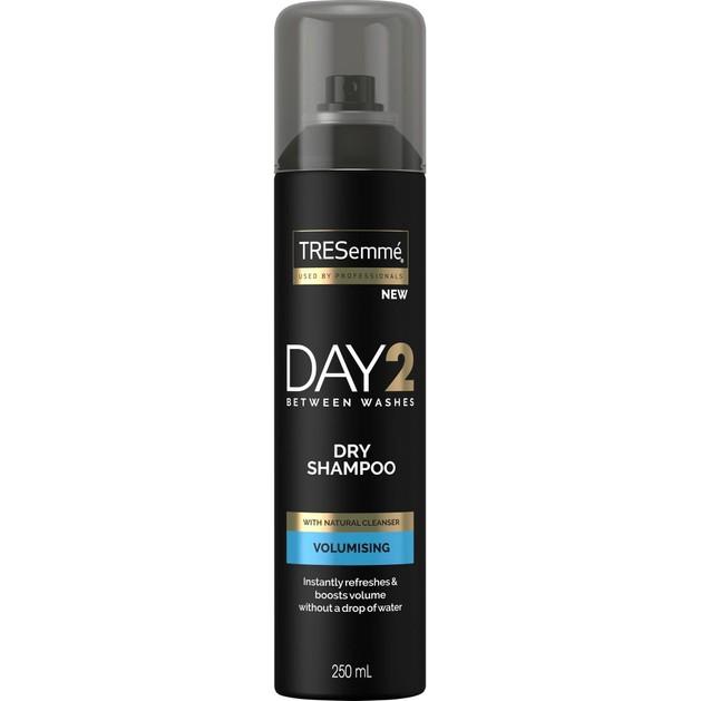 TRESemme Day 2 Dry Shampoo Volumising Ξηρό Σαμπουάν για Όγκο & Λάμψη250ml
