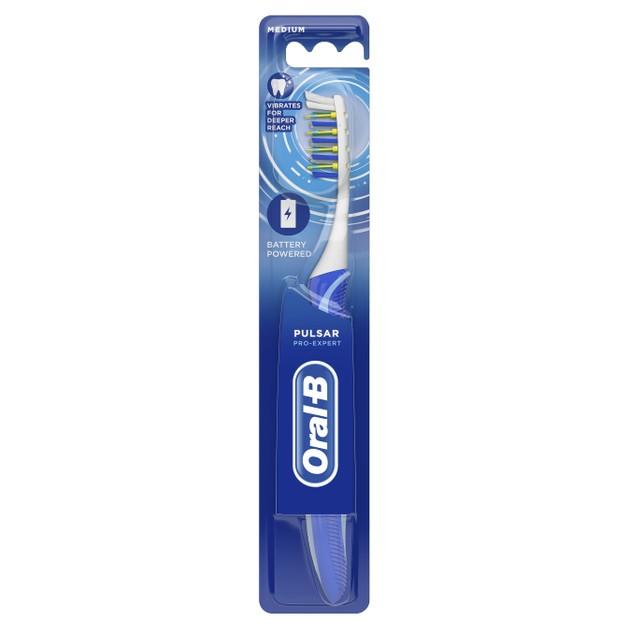 Oral-B Pro Expert Pulsar Battery Powered Medium Οδοντόβουρτσα με Δονούμενες Ίνες, που Διασπούν τη Πλάκα Ανάμεσα στα Δόντια